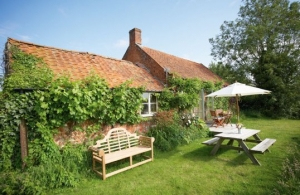 Country romantic cottage for couples Norfolk