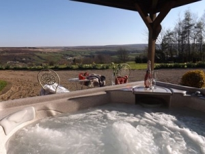 Luxury cottage with hot tub in Yorkshire - Higher Scholes