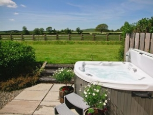 wales hot tub cottage for couples aberystwyth