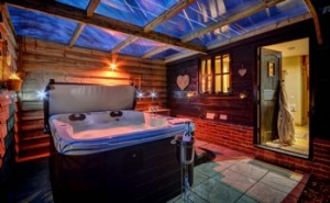 Suffolk Hideaway with Hot Tub | Gipping Barn near Stowmarket