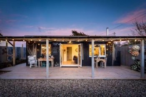 A romantic beach hut for couples off the beaten track near Padstow, Cornwall | Lobster Pot