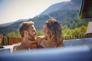Loch Lomond Pet Friendly Luxury Hot Tub Lodge Trossachs Forest | Golden Oak Lodge