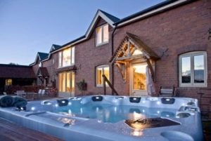 Devon Hot Tub Cottage for Couples near Exeter | The Coach House at Sherway Farm