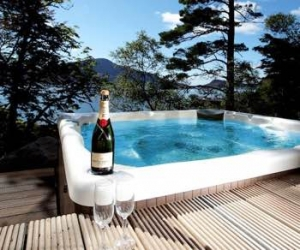 Knoydart House Studio | A Romantic Highlands Hot Tub Retreat