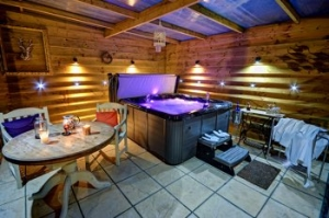 Pet Friendly Suffolk Hot Tub Cottage | Stour Barn Stowmarket