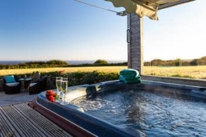 Cornwall Romantic Hot Tub Cottage with Sea Views Penzance | Lamorna View
