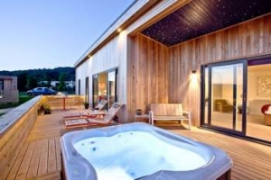 Somerset Boutique Hot Tub Lodge for Couples