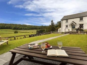 Romantic Luxury Lake District Cottage for Couples near Windermere