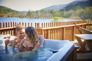 Romantic luxury cottages with late availability