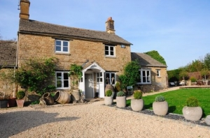 cotswolds boutique cottage for couples chipping norton
