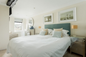Romantic Cornwall cottages with late availability
