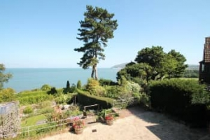 Romantic sea view cottages for couples with late availability