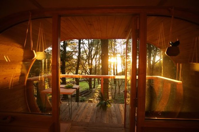 The loft Treehouse at Pickwell Manor