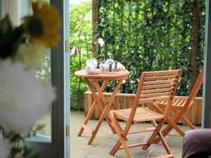 Ludlow Hot Tub Hotel Garden Rooms | The Baron at Bucknell
