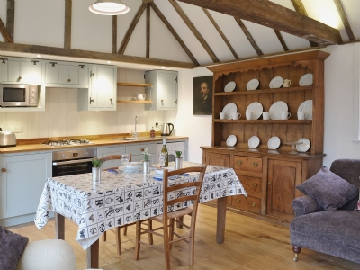 East sussex romantic holiday cottage for two | Cart Lodge
