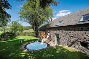Romantic Hot Tub Cottage Pitlochry Scottish Highlands | Tallavey