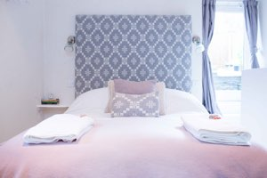 Devon Romantic Holiday Cottages by the beach | Amity