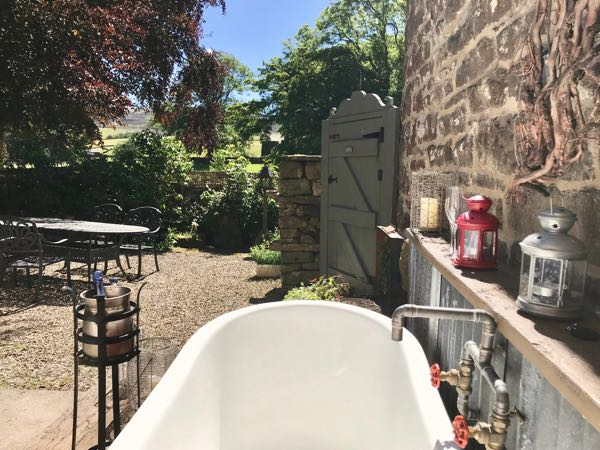 Romantic Lake District Hot Tub Cottage In The Eden Valley