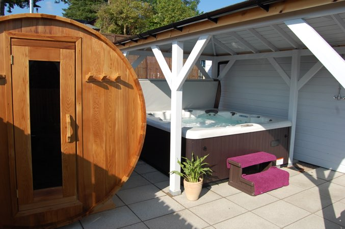 Romantic Hot Tub Lodge With Sauna For Couples Scotland Pitlochry